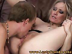 Tubo pornográfico oral - vídeos de sexo com mamãe quente