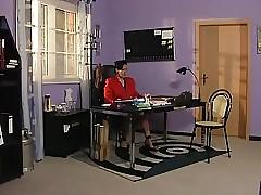 Boss porn clips - amateur mature porn
