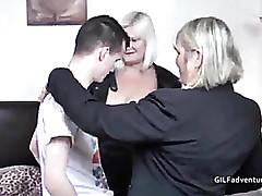 3 videos porno - sexy milf se la follan