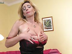 Solo porn clips - free mature sex movies